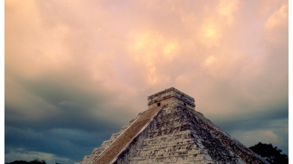 chichen_itza_yucatan_mexico_-_el_castillo
